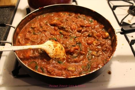 Photo: Finished vegan pasta sauce in a big skillet. Photo source: Google Images